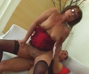 Brunette granny looks hot in glasses opens her big cunt hole with fat dick lover