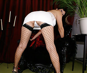 Kinky mama getting nasty with her rubber toy