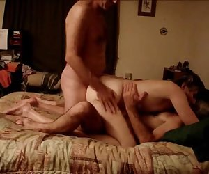 amateur thresome avesome!_240p