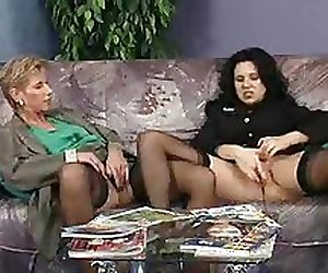 2 german women fingering