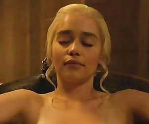 emilia clarke nude in the bath game of thrones s03e08 2013 v