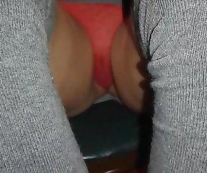 Upskirt de ma femme string transparent