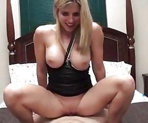 Sexy stepmom creampied
