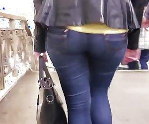 Big booty wide ass