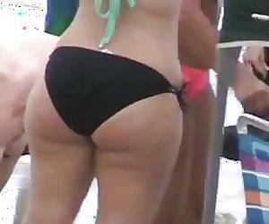 Thick pawg in Bikini