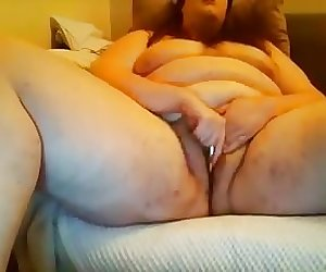 BBW slut masturbates