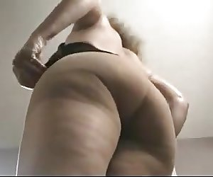 Sexy Mature Tits And Ass In Pantyhose
