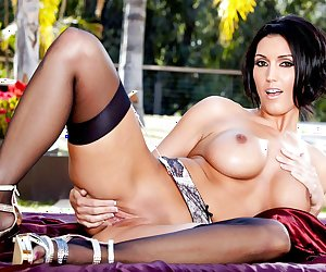 Dylan Ryder in Sunshine On My Pussy - TwistysNetwork