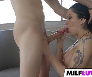 Shaved MILF Cassandra Cain Gets Fucked